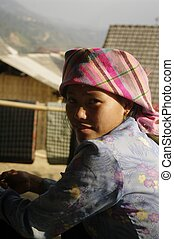 Girl Thai ethnicity, the largest minority in the northern Thai Vietnam. Les are most of the time traders. They live in the valleys in houses on stilts. Their dress is very modernized