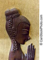 thai girl sculpture