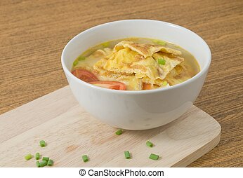 Thai Omelet Soup with Tomatoes, Onion and Scallion