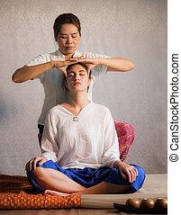 Thai original head massage