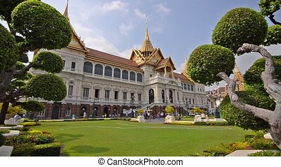 thai royal palace - the grand palace in bangkok