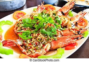 Thai style golden river prawn with garlic and pepper sauce.