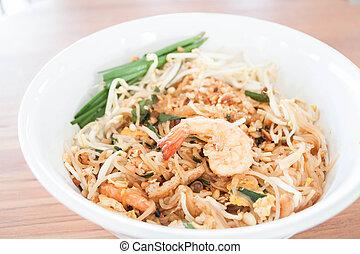 Thai style stir fry noodles with shrimp