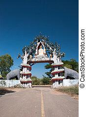 Thai temple entrance 2