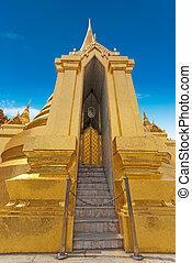 Thai temple Phra Sri Ratana, Bangkok