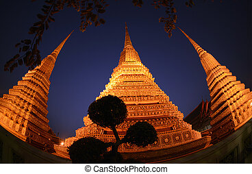 THAILAND - Die Tempelanlage des Wat Pho in der Hauptstadt...