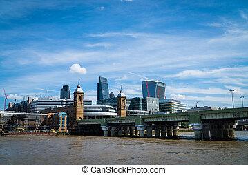 Thames rail bridge