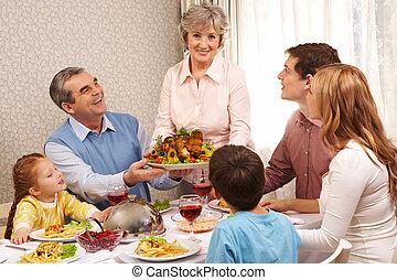 Thanksgiving dinner - Portrait of big family at festive ...