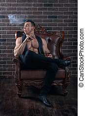 the, 家伙, 带, the, 肌肉, smokes.