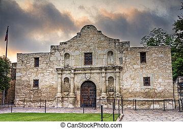 The Alamo, Asn Antonio, TX - Exterior view of the historic...