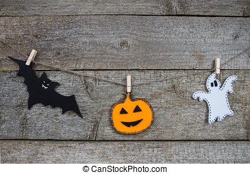 The bat, ghost and jack o lantern made of felt for Halloween