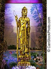 Guan Yin - The beautiful golden Guan Yin statue at Tien-Fa...