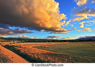 The beautiful huge storm cloud