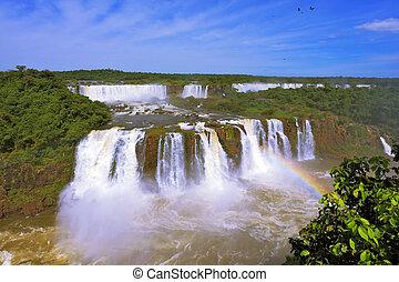 The best-known falls - Iguazu - The magnificent rainbow...