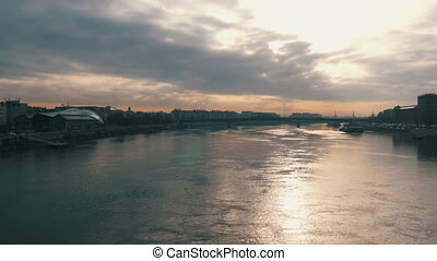 The big river Danube in Budapest. Early foggy morning. - The...