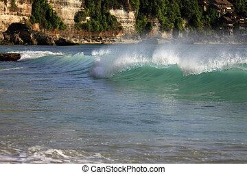 Dreamland beach - Bali - The big wave. Dreamland beach -...