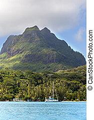 Otemanu on Bora Bora island, Polyn