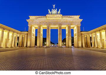 The Brandenburg Gate at night