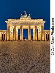 The Brandenburger Tor in Berlin at night