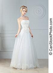 The bride in full-length.