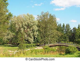 The bridge above the river