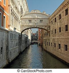 The Bridge of Sighs ( Ponte dei Sospiri) ,covered bridge...