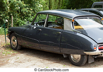 The Citroën DS was manufactured and marketed from 1955 to...