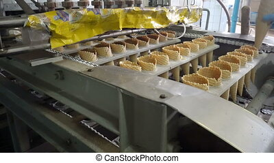 The conveyor automatic lines for the production of ice cream