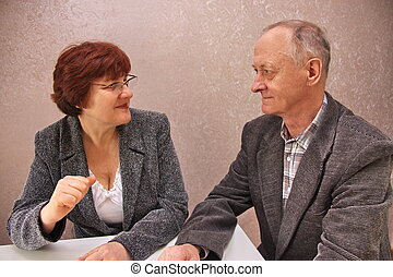 the couple decide to table money ma