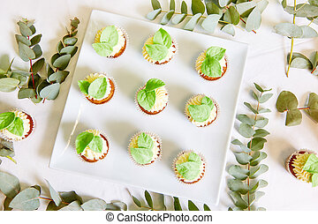 The cupcakes on a plate