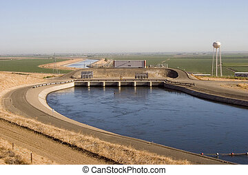 California Aqueduct - The Dos Amigos pumping plant pushes ...