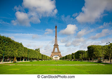 The Eiffel Tower. Summer - The Eiffel Tower in the morning ...