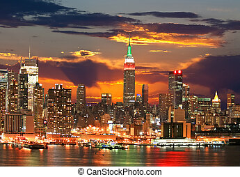 The Empire State Building and Manhattan Midtown Skyline USA