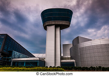 The exterior of the Air and Space Museum Udvar-Hazy Center ...