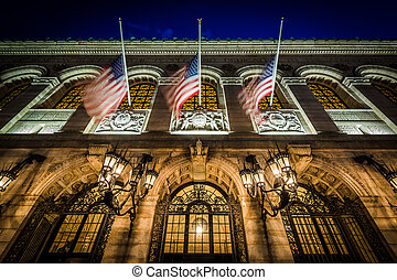 The exterior of the Boston Public Library at night, at Copley, in Bay Bay, Boston, Massachusetts.