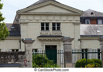 The facade of the courthouse in Saumur
