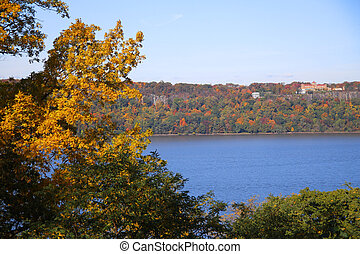 The fall on the Hudson river