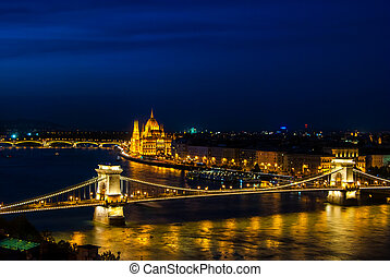 The famous chain bridge in Budapest - The famous Chain...