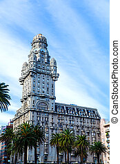 Palacio Salvo in Montevideo - The famous Palacio Salvo in...