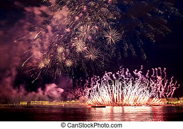 The fireworks and a laser show in the waters of the Neva ...