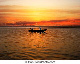 The Ganga river - Sunrize ture on the Ganga river, Varanasi...