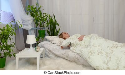 The girl can not fall asleep - The girl has insomnia and she...