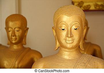 The golden face of buddha