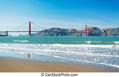 The Golden Gate Bridge in San Francisco with beautiful blue ...