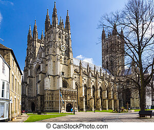 Canterbury Cathedral - The grand Goth Style Canterbury ...