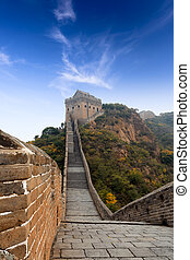 the great wall of china with blue sky