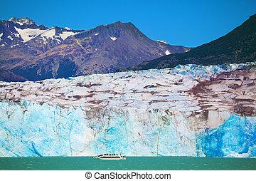 The huge white-blue glacier