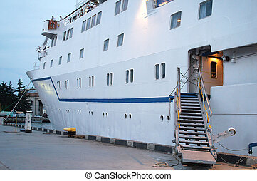 mooring passenger ship - The image of a mooring passenger...