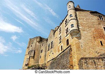 Chateau de Beynac from below