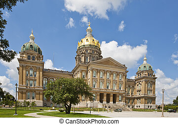 Iowa State Capitol - The Iowa State Capitol is the state ...